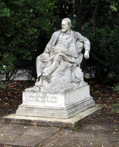 Il nemico che non puo uccidere - Sigmund Freud e la musica (2° parte - Statua di Emil Jakob Schindler)
