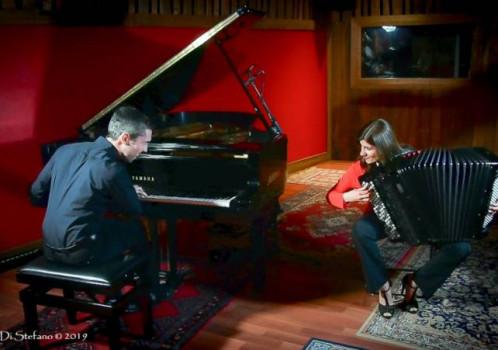 """""""Bayan Piano Project"""" lo sposalizio timbrico di Andrea Ceraso e Saria Convertino"""