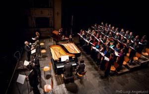 Il M° Cicconofri dirige il coro del Conservatorio Rossini di Pesaro