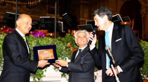 La consegna della Targa di benemerenza a Giorgio Girelli
