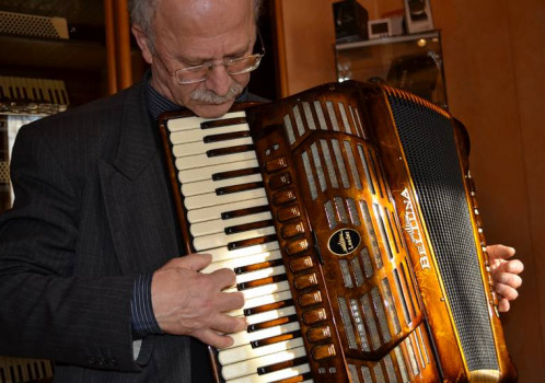 The accordion … passion no limitis. Interview with M° Stefano Prestileo