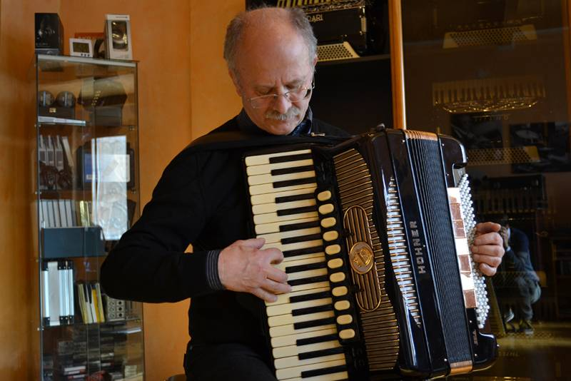 The accordion … passion no limitis  Interview with M